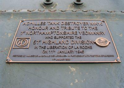 M10 plaque